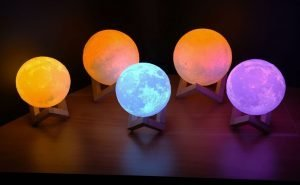 Ultimatemoonlamps.com - 16 multicolours moon lamp